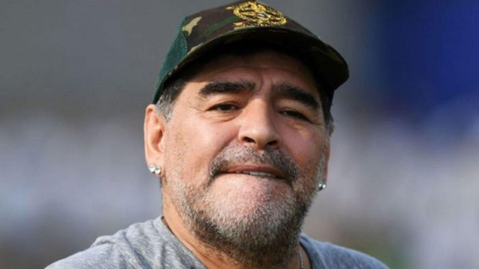 Diego Maradona recibió el alta médica y se recupera de la operación en el estómago