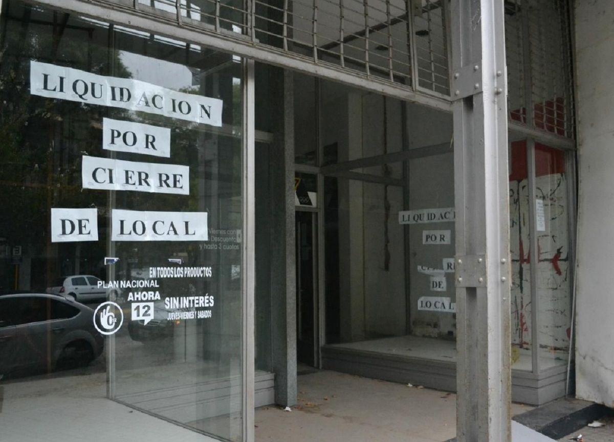 En un año, se duplicó la cantidad de locales vacíos en la Ciudad
