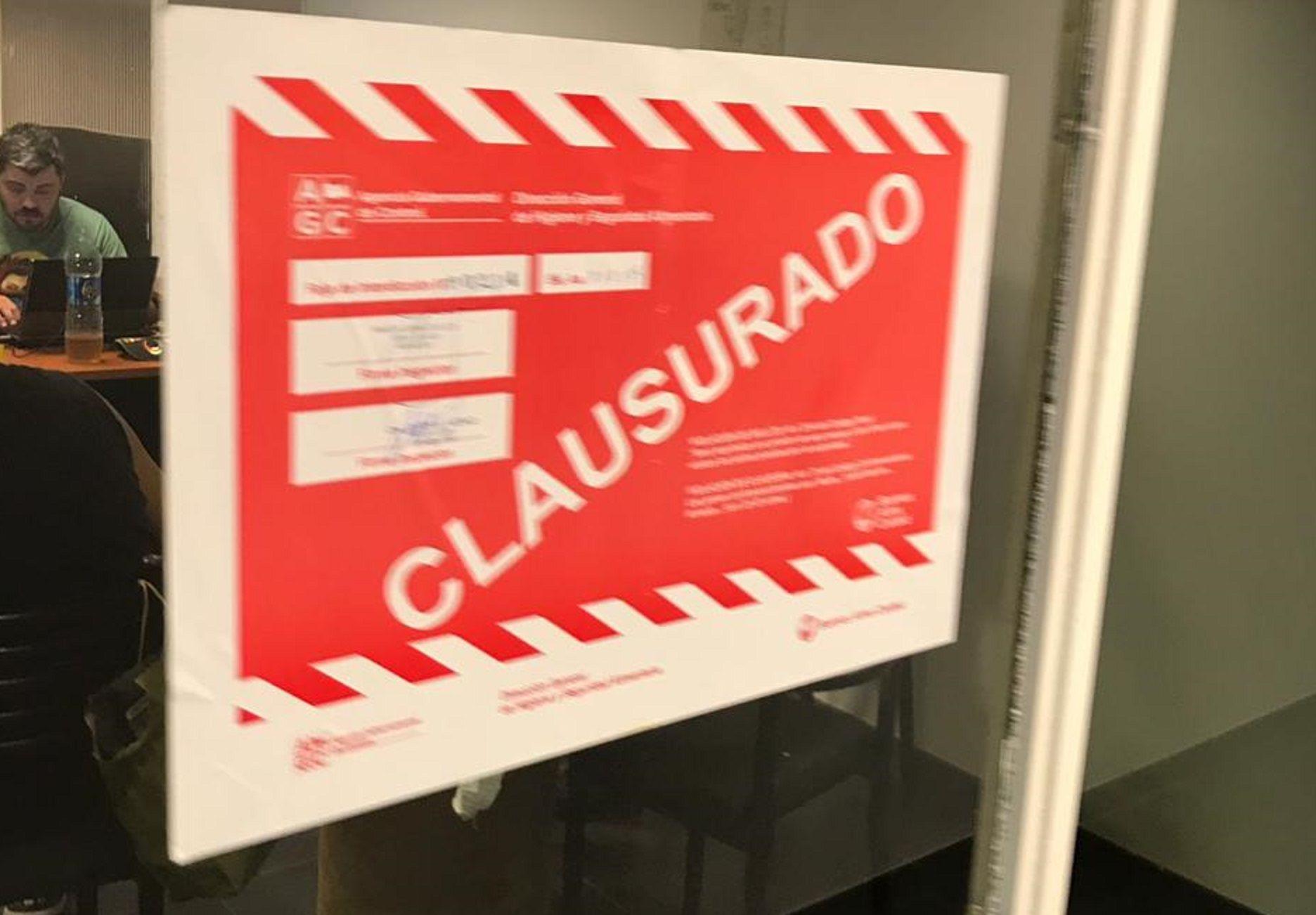 Ratas y olores: secuestran 22 toneladas de carne contaminada en un frigorífico de Flores