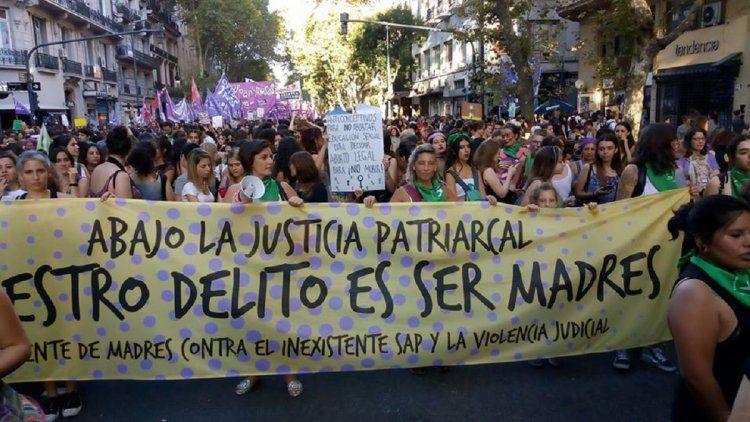 Madres protectoras: mujeres que buscan amparo para sus hijos en la Justicia y no son escuchadas
