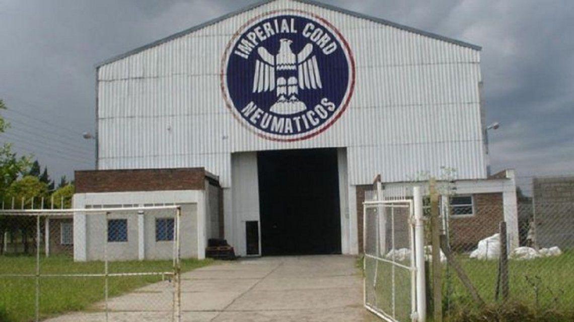 La fábrica que auspiciaba a Los Bicivoladores cerró por la apertura de importaciones