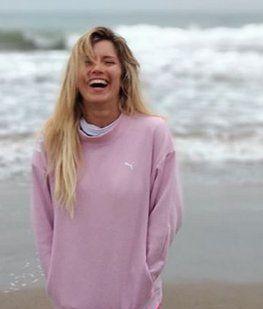 Las fotos de Laurita Fernández jugando en la playa con Rufina