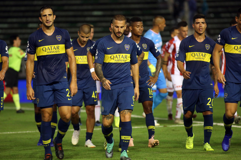 Benedetto encabeza la fila de Boca en el final del primer tiempo
