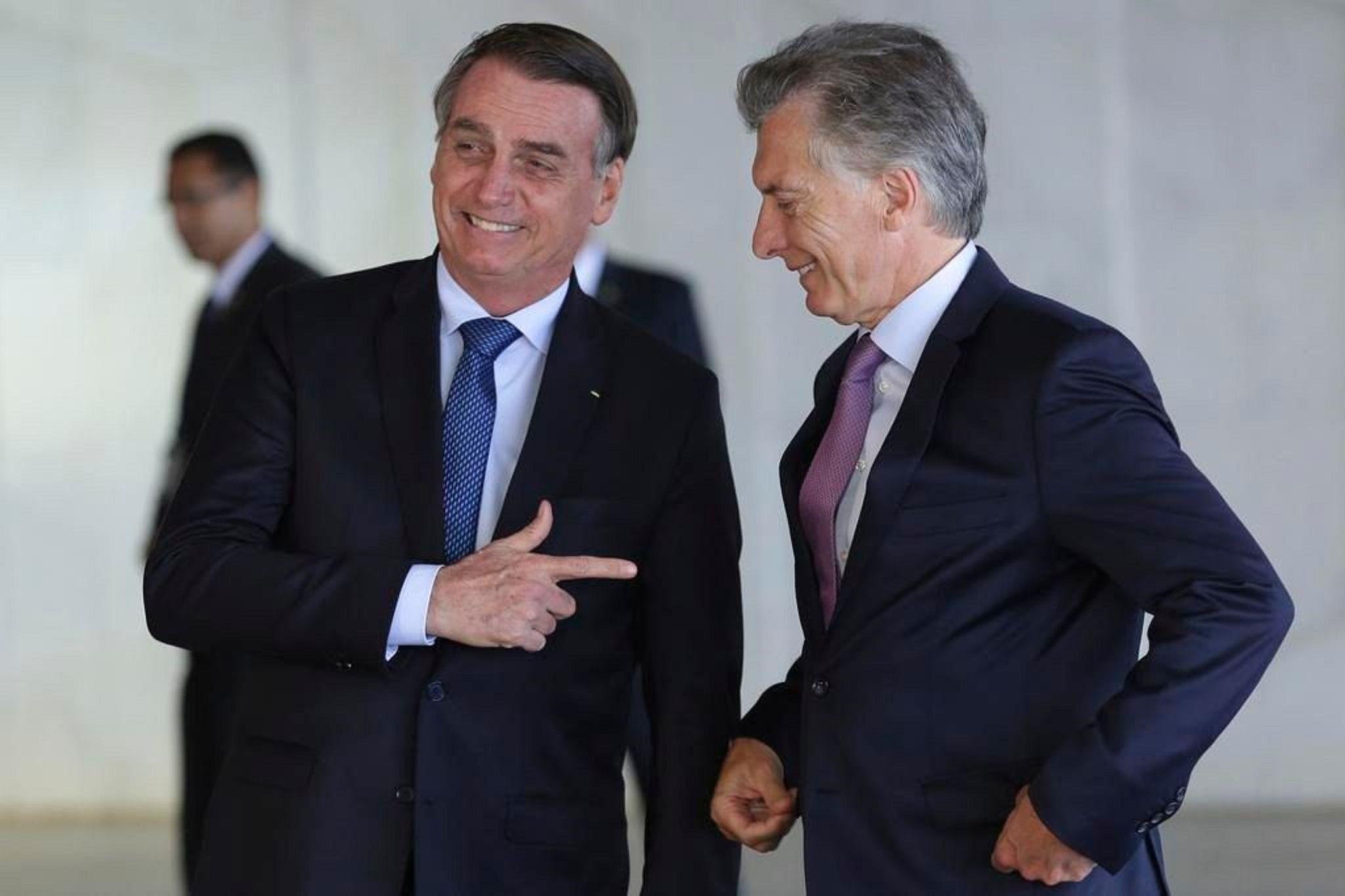 El socio de Macri quebró a Brasil: Bolsonaro admite que se quedó sin dinero y el Ejército trabaja media jornada