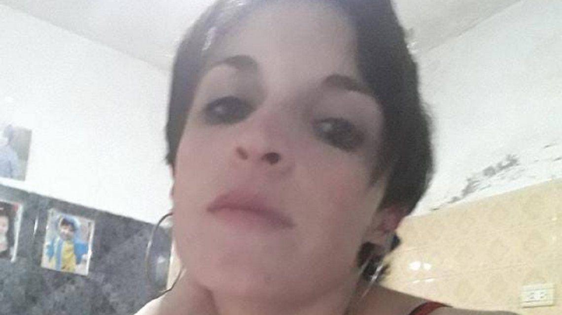 Buscan a una mujer víctima de violencia en Pompeya: se activó dos veces el botón antipánico