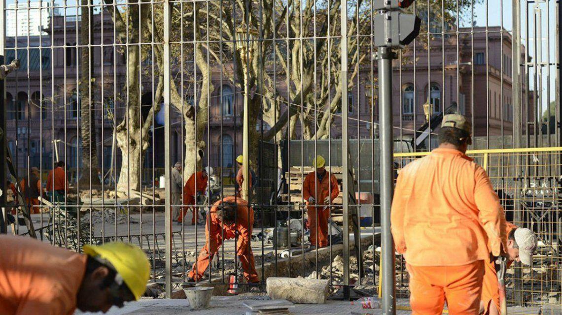 Declaran ilegal la instalación de rejas en la Plaza de Mayo