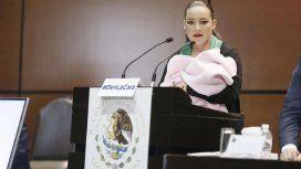 Misógina crítica en el Parlamento contra una senadora que amamantaba a su hija