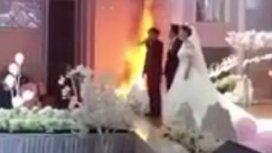 Nos casamos sí o sí: se desató un incendio, pero no detuvieron la ceremonia