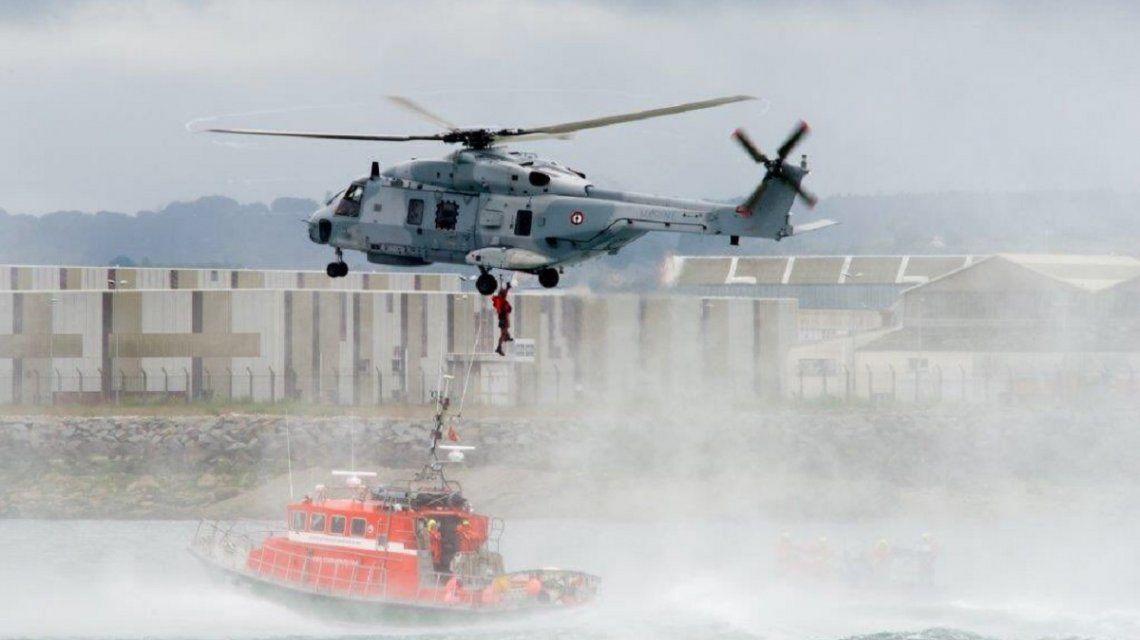 El avión de Emiliano Sala sigue sin aparecer: cinco aeronaves y dos barcos lo buscan