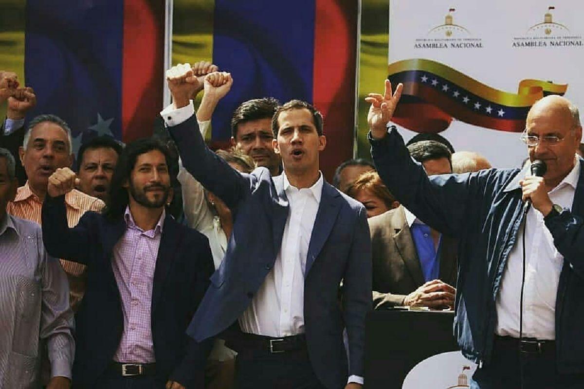 Juan Guaidó se autoproclamó presidente