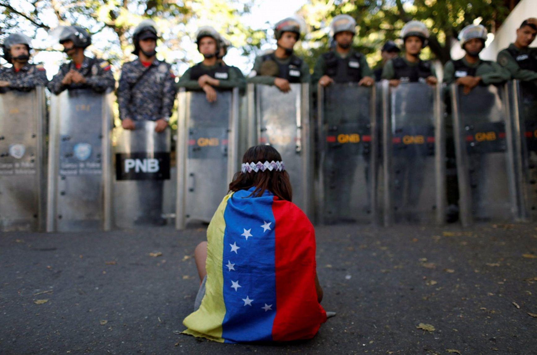 Un país en crisis y con dos presidentes: ¿qué está pasando en Venezuela?