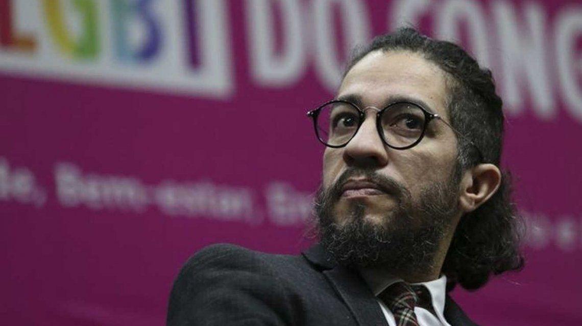 Un diputado brasileño gay renuncia a su banca y se va del país por amenazas de muerte