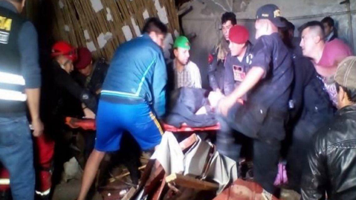 Casamiento fatal: al menos 15 muertos tras un derrumbe en un hotel