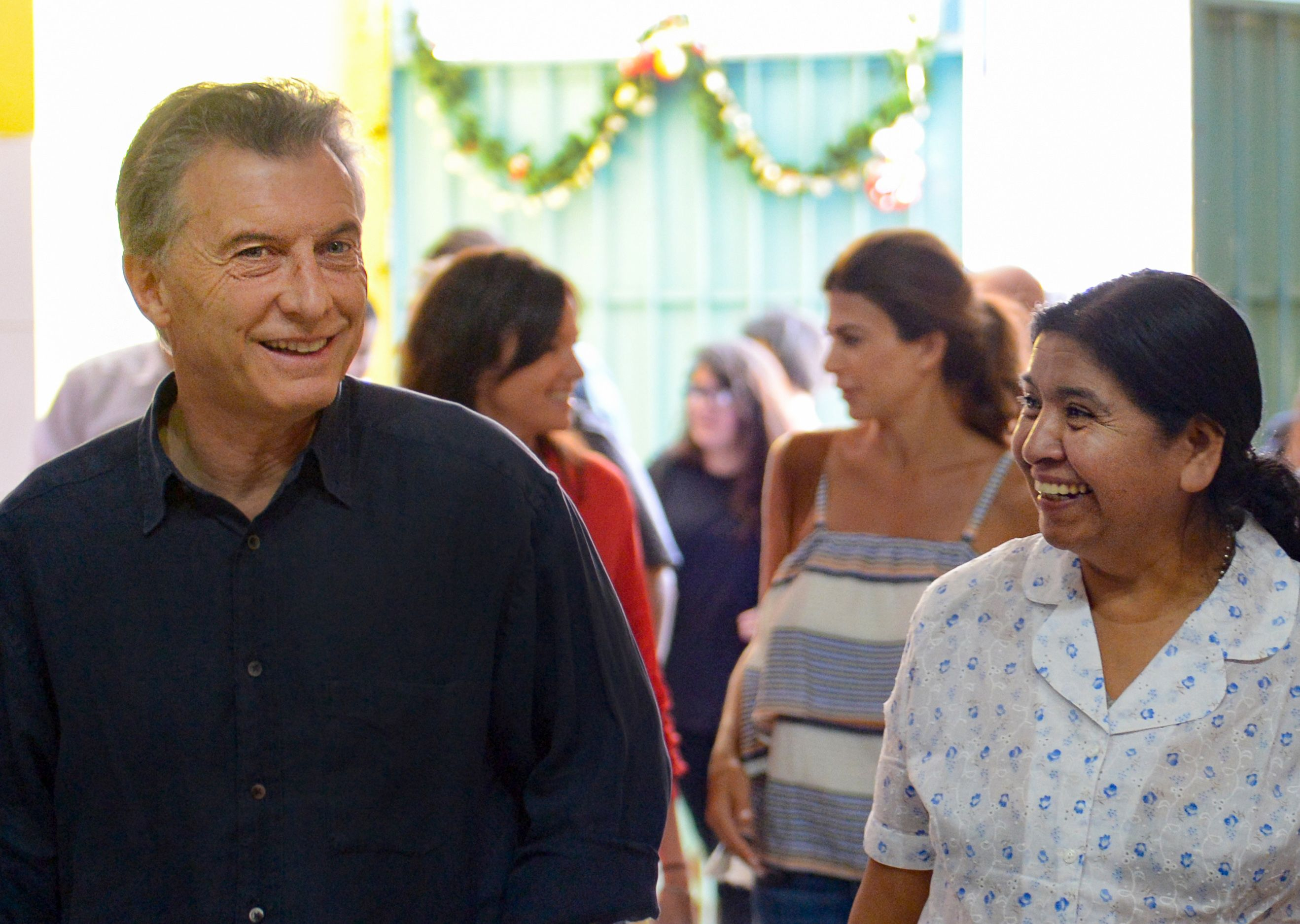 Macri visitó el comedor de Margarita Barrientos y pidió por una Navidad en paz