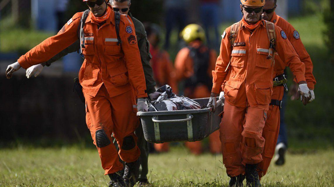 Asciende a 58 la cantidad de muertos por la avalancha en Brasil