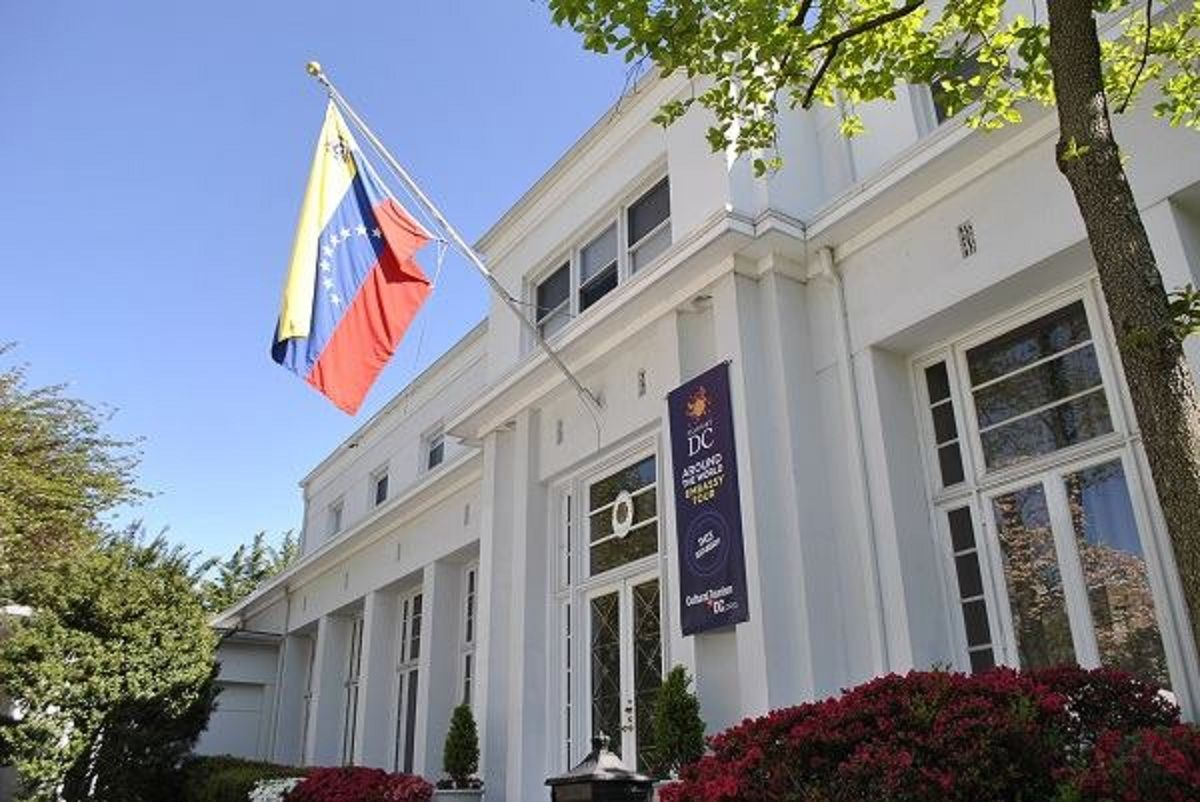 Estados Unidos aceptó a un diplomático designado por Guaidó en Washington