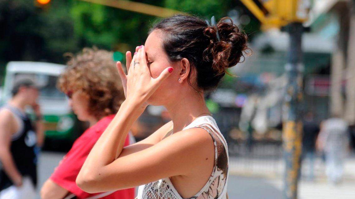 Lunes sofocante en la Ciudad: la sensación térmica llegó a los 43,2° y rige un alerta por el calor extremo