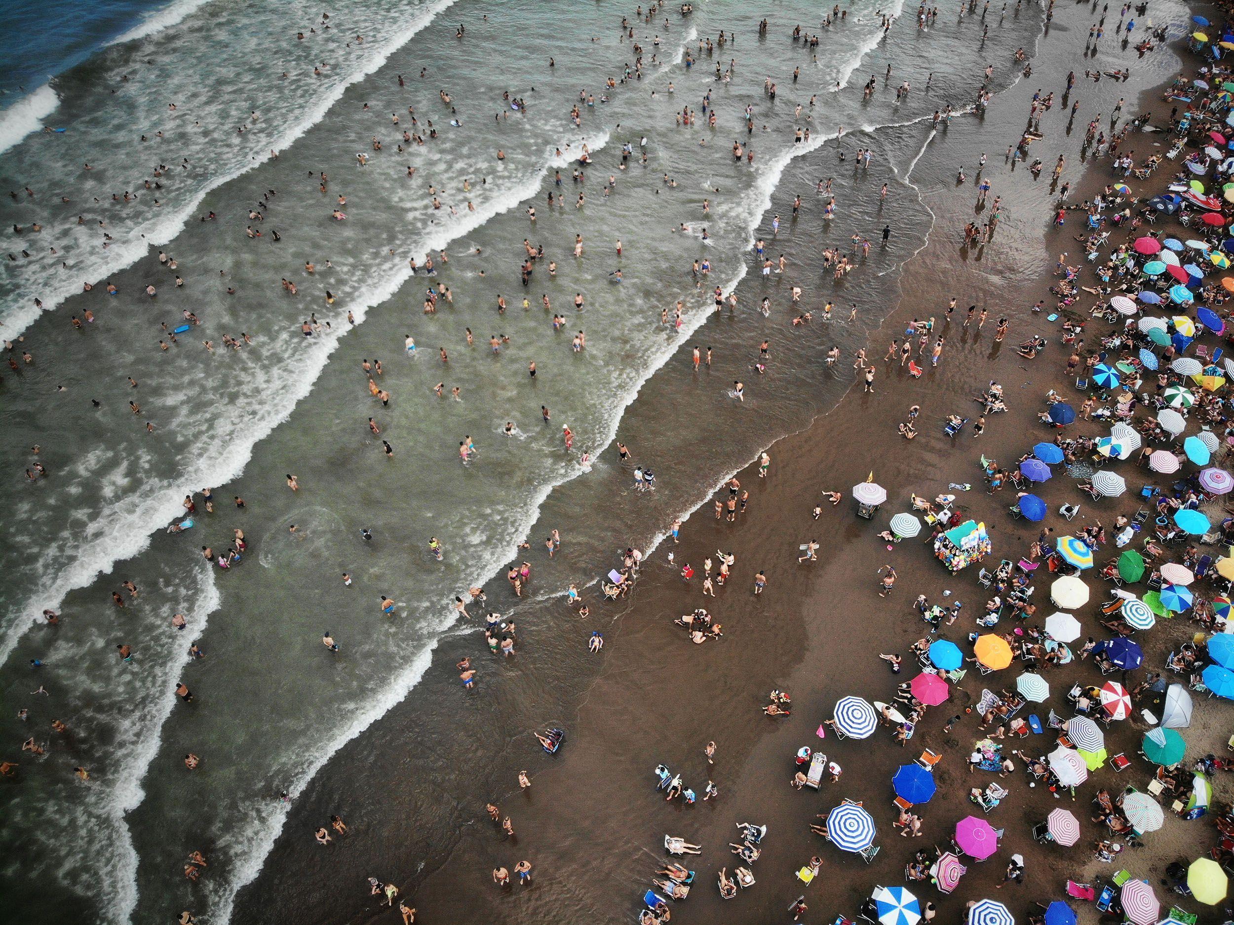 Mar del Plata: un turista murió ahogado en el mar en una playa de Punta Mogotes