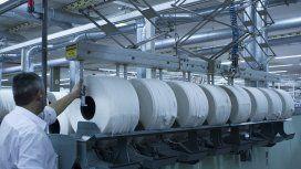 El plan del Gobierno con los textiles: baja de indemnizaciones, aguinaldo en cuotas y jornadas de 12 horas