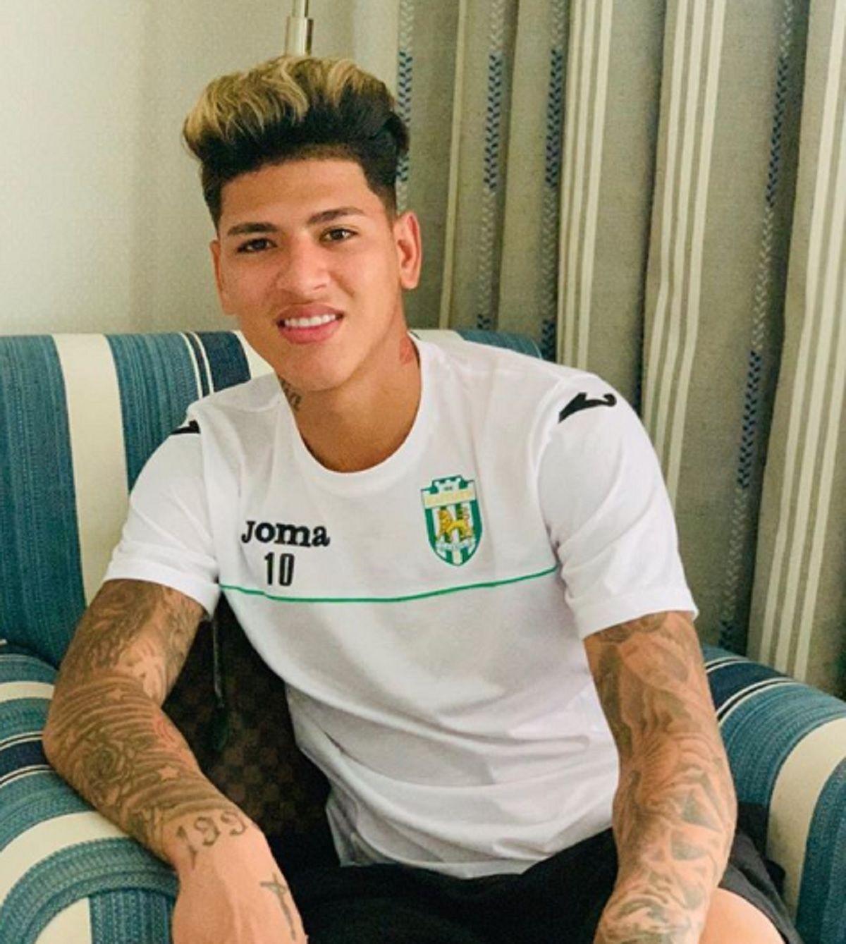 Jorge Carrascal, el Neymar colombiano, llegó al país para firmar contrato con River