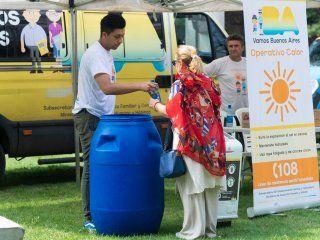 contra la agobiante ola de calor: llegan las postas de hidratacion a la ciudad