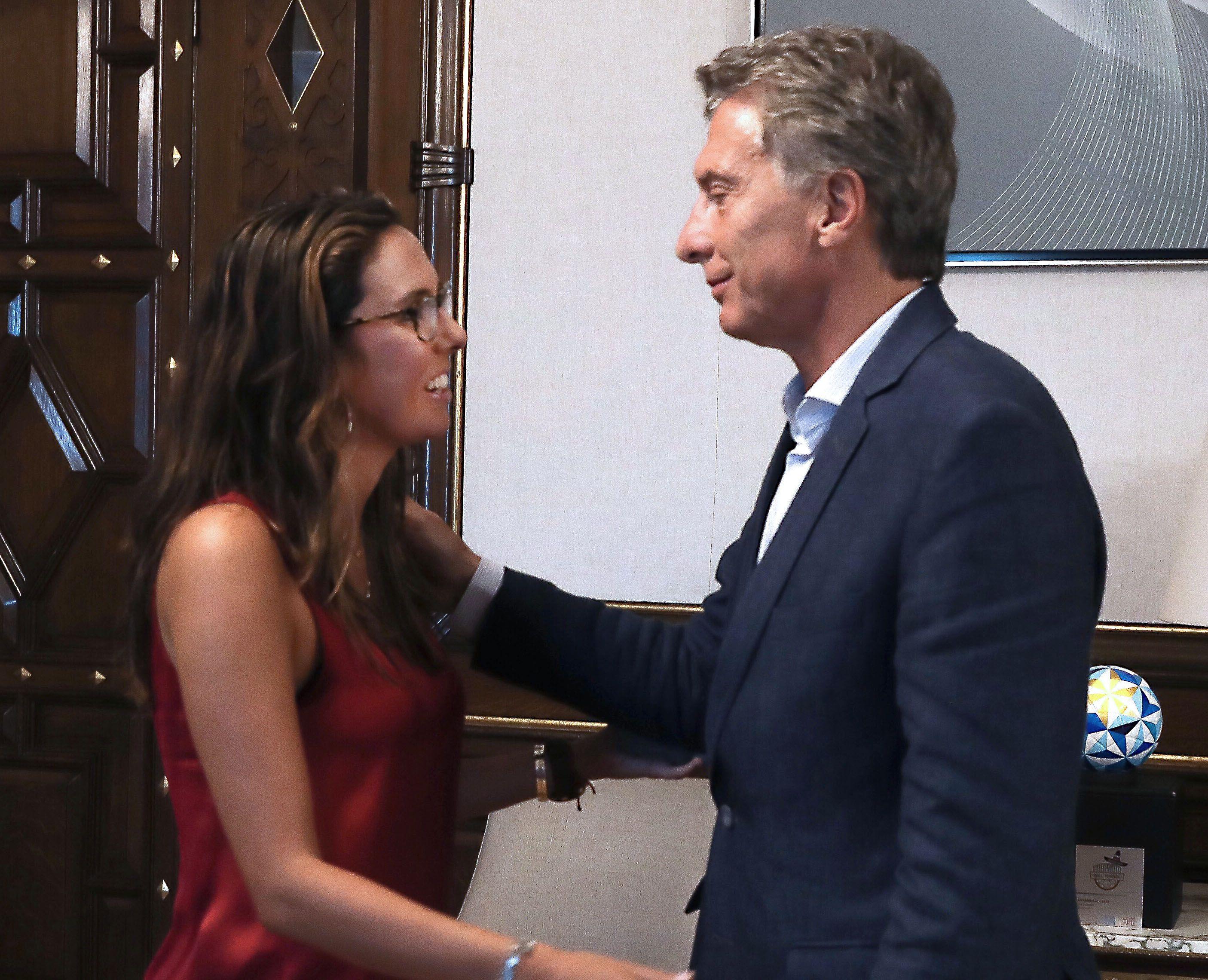 Guaidó nombró a una embajadora en Argentina y Macri la recibió