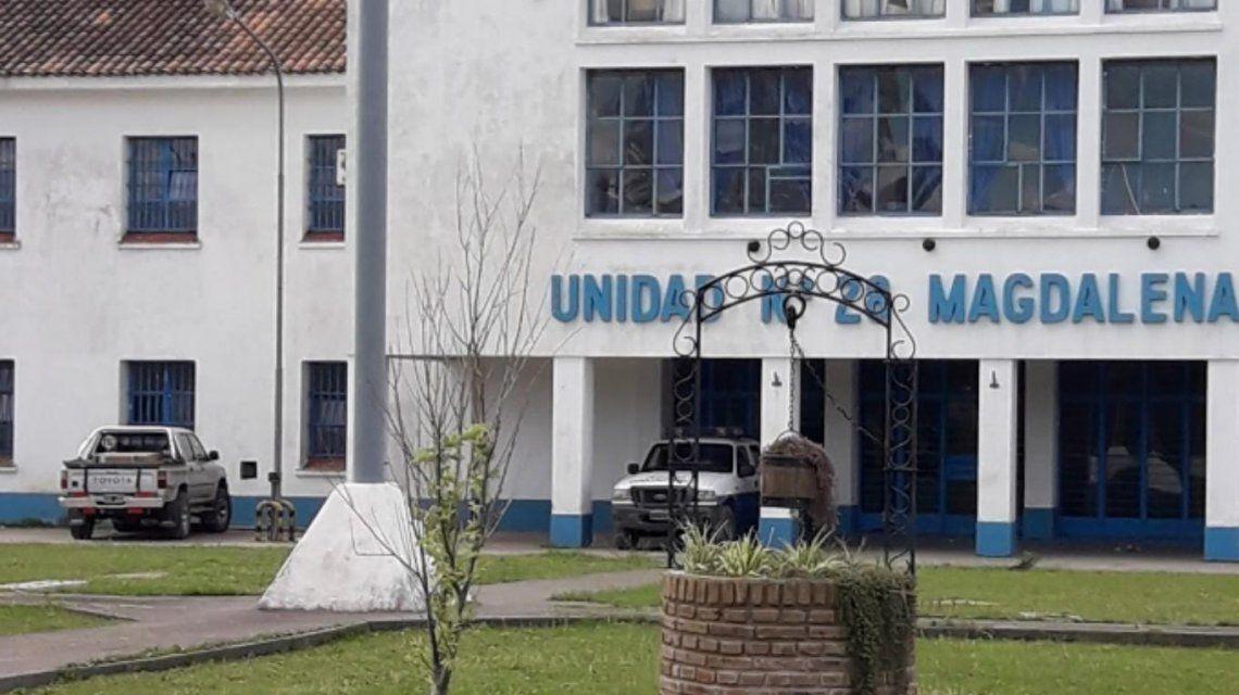 El preso de 40 años está internado en terapia intensiva