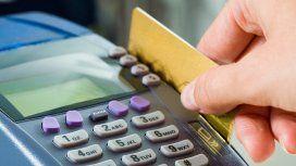 Retiran el IVA a las propinas que se paguen con tarjeta de crédito y débito