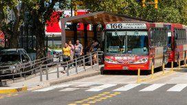 Paro en 8 líneas de colectivos: dos ladrones asaltaron a 25 pasajeros en Moreno