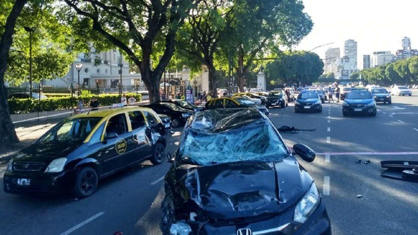 Así quedó el auto que protagonizó el choque en el Hipódromo