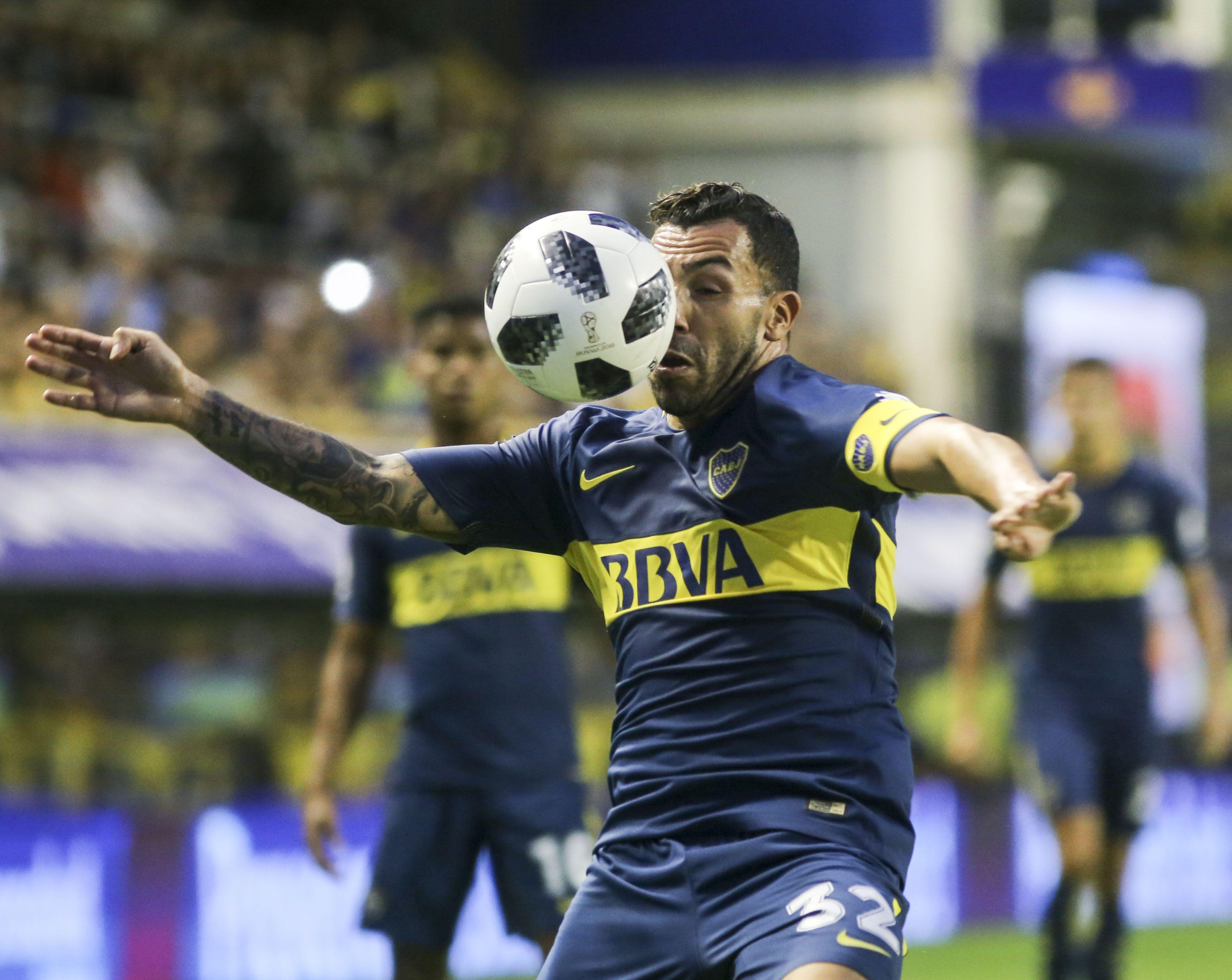 Carlos Tevez vuelve a ser titular y capitán del Xeneize
