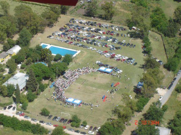 Vista aérea del campo de deportes del colegio Lincoln<br>