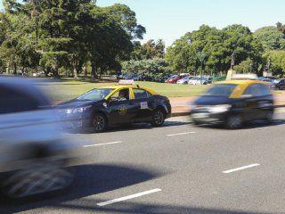 ¿sin trabajo? abren una convocatoria para sumar mujeres taxistas en la ciudad