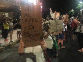 el gobierno quiere cerrar c5n y minutouno.com: trabajadores convocan a una marcha