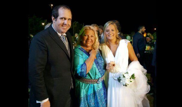 Elisa Carrió fue madrina de la boca de Lucila Lehmann y Luciano Bugallo Di Prinzio<br>