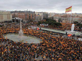 la derecha y los ultras de vox se movilizan en espana para pedir la destitucion de sanchez