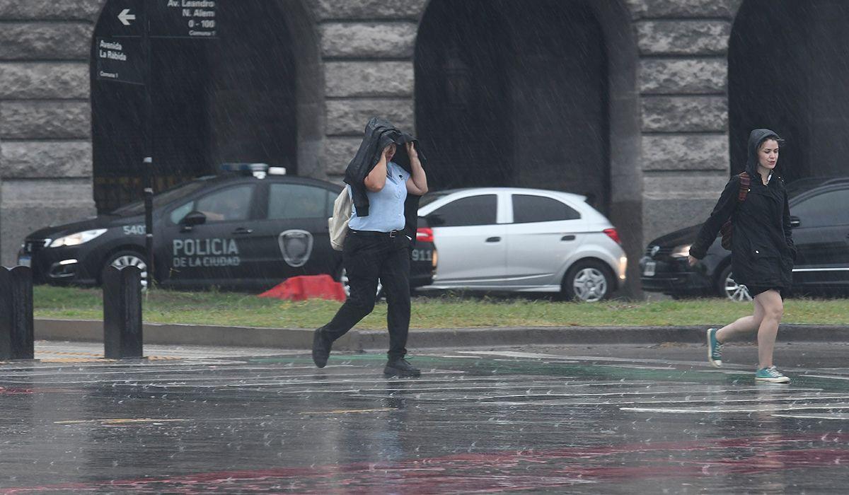 Cesó el alerta por tormentas fuertes pero hay probabilidad de lluvias durante la noche