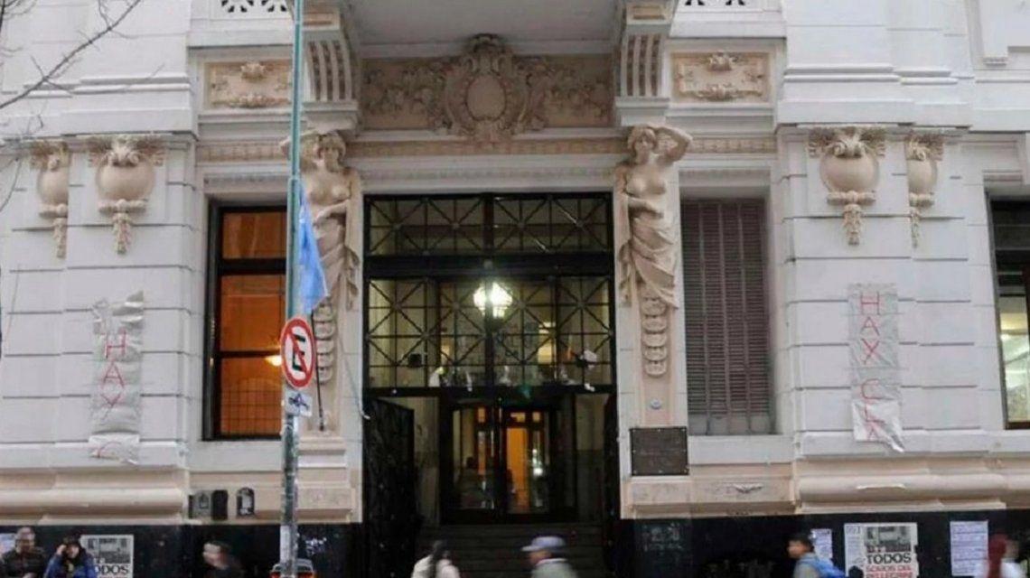 Separaron del cargo al profesor del Carlos Pellegrini que trató de feminazi a una alumna