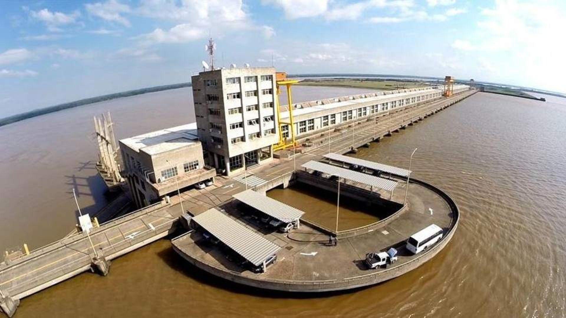 Yacyretá: la mayor obra pública de la Argentina podría quedar en manos extranjeras