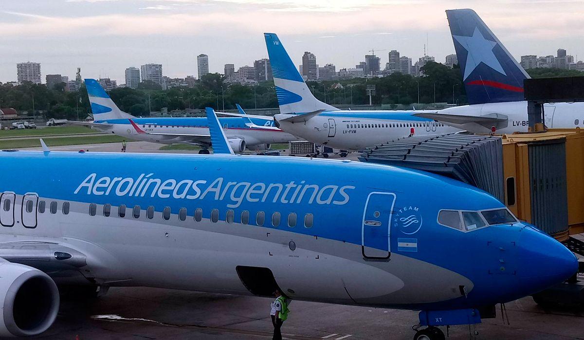 Aerolíneas Argentinas canceló todos sus vuelos del miércoles por el paro general