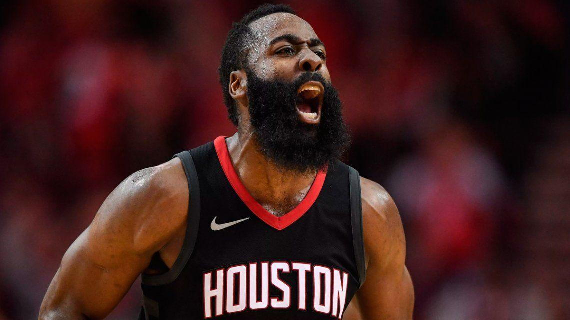 NBA: el rookie Okogie humilló a Harden y su stepback