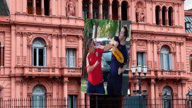 Los memes contra la Casa Rosada por su fallido homenaje del San Valentín