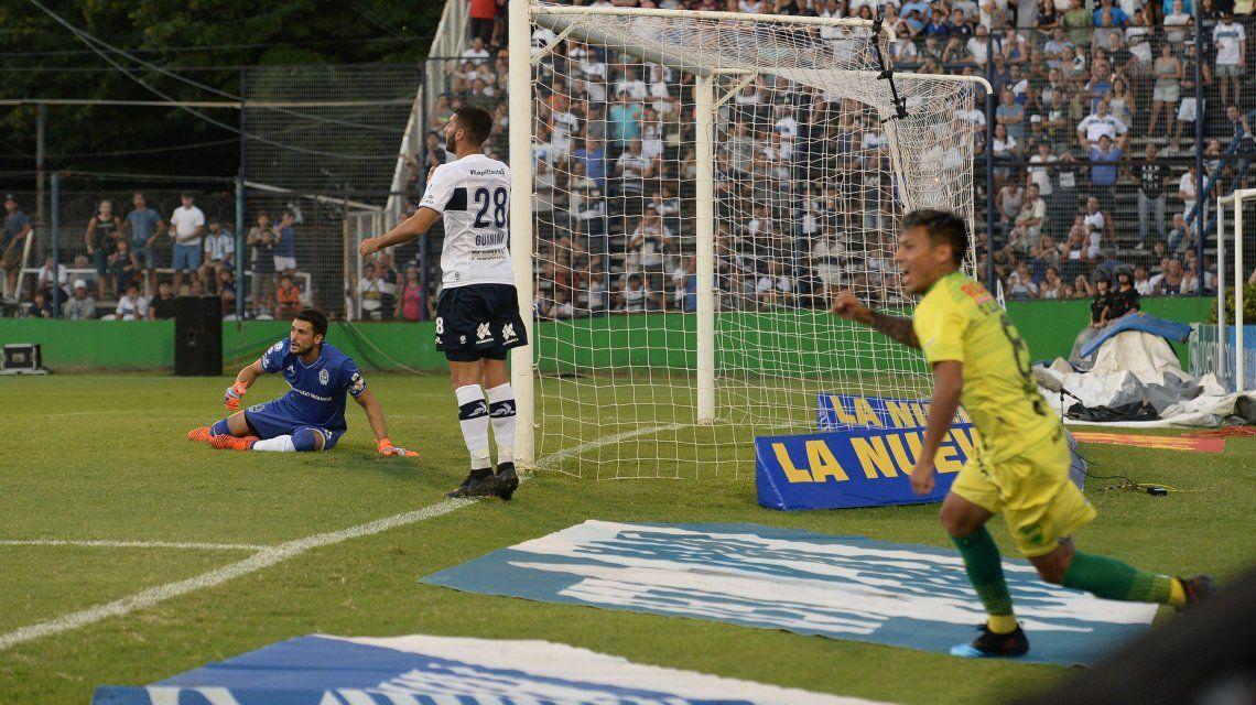 Defensa y Justicia ganó gracias a un gol en contra