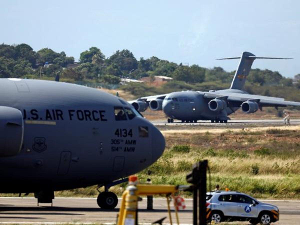 Venezuela: aviones estadounidenses aterrizaron con ayuda humanitaria en la frontera con Colombia