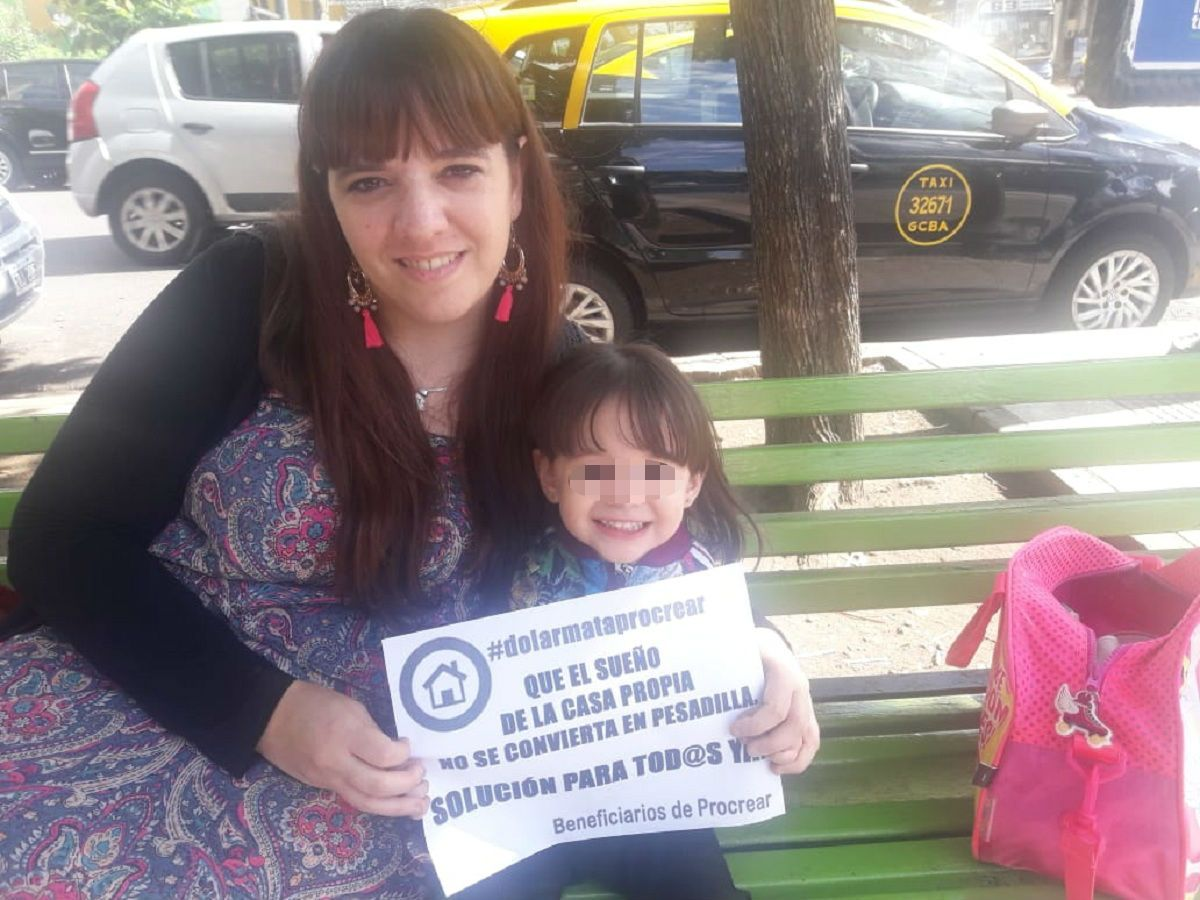 Romina Montoya y su hija