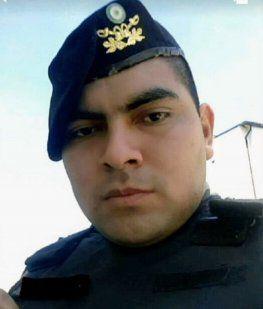 Un gendarme baleó a su pareja, se atrincheró y se quitó la vida