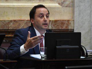 el senador mera dijo que  es un castigo a los mas vulnerables no mantener el reintegro del iva