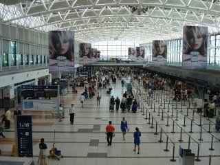 paro de controladores aereos en aeroparque y ezeiza: ¿como afectara a los vuelos?