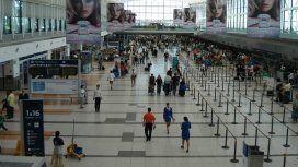 Bajó un 50% la compra de pasajes al exterior en el primer trimestre del año