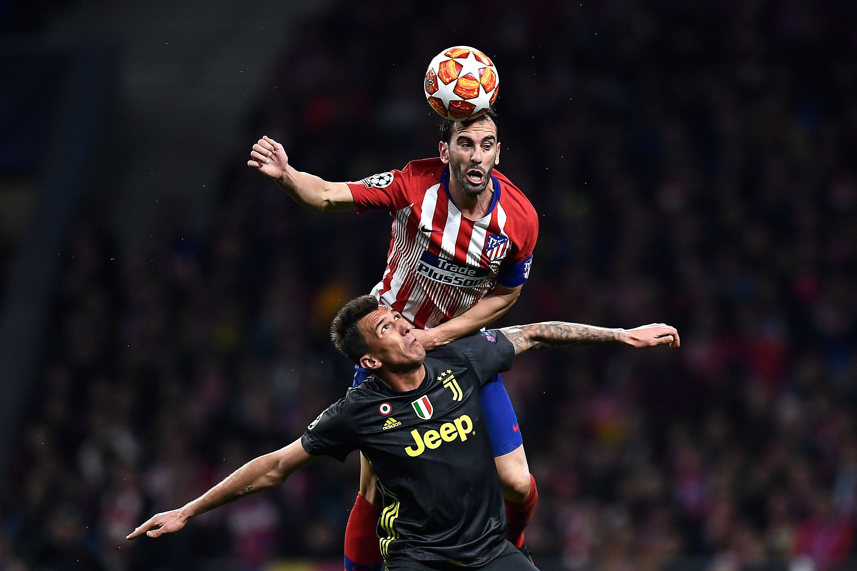 Diego Godín marcó el primer gol